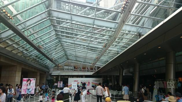 六本木ヒルズ大屋根プラザ内特設ステージ「InRed × J-WAVE MOM'S HOLIDAY」リハーサル
